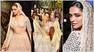 Deepika Padukone CRAZY DANCE on RAMP Abu Jani Sandeep Khosla's Showstopper at' 33 Years Anniversary