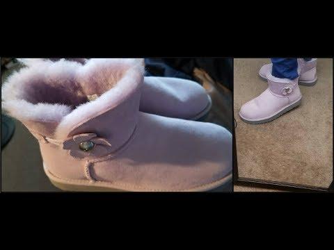 MINI BAILEY BUTTON POPPY UGG Boots