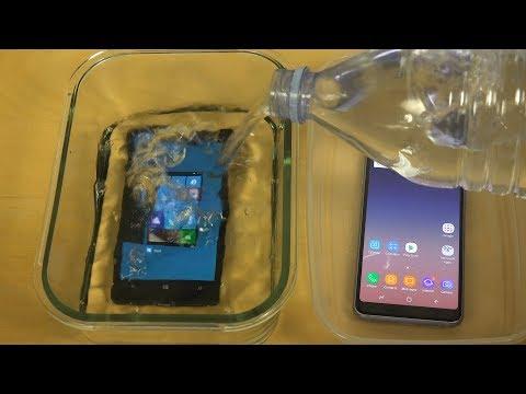 Samsung Galaxy A8 vs. Nokia Lumia 930 - Under Water Test!