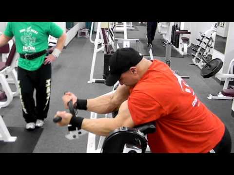 Chris250 hitting biceps with Mike Ross and Midwest Iron