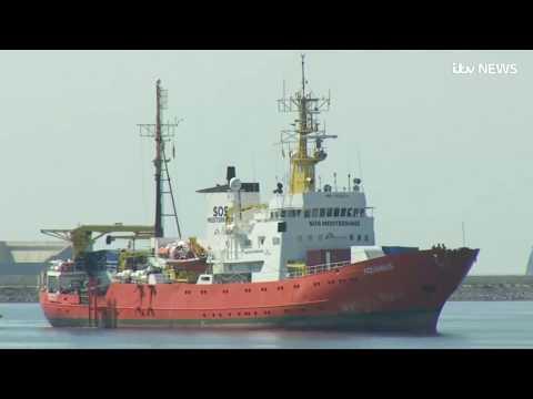 Migrant aid boat Aquarius docks at the Spanish port of Valencia | ITV News