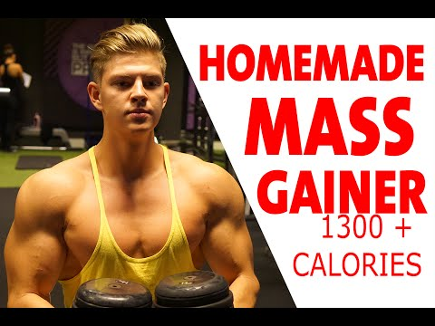 Homemade Mass Gainer Shake For Gaining Muscle (1300+ Calories)