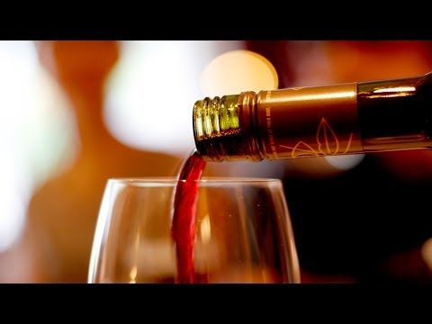 Red wine production line bottle blowing rotary filling plugging capping labeling date printing lines