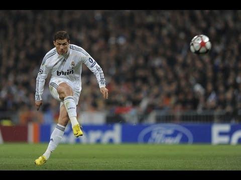 How To Shoot Like Cristiano Ronaldo Tutorial(Knuckle Ball Freekick) HD