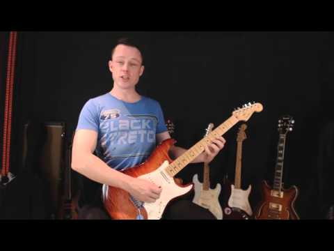 The perfect playing position - How to hold your guitar