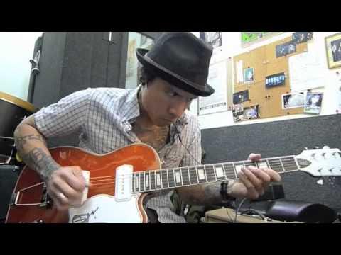 Eastwood Airline Tuxedo Guitar Demo - RJ Ronquillo 2011