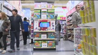 Toys 'R' Us Considering Shuttering All Its US Stores