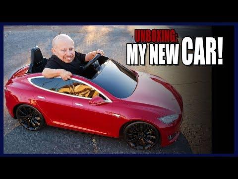 I got a Tesla for Christmas! (Unboxing)