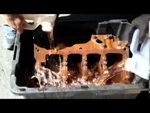 HOW TO REMOVE RUST OFF OF 350 CHEVY ENGINE BLOCK LIKE NEW