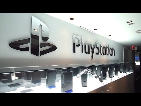 Evolution of PlayStation Consoles Showcase (PS1-PS4, '95-'13)