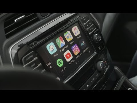 Apple CarPlay Enable Any App Using CarBridge (Jailbreak CarPlay hack)