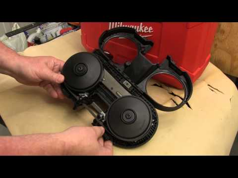 Milwaukee M12 Cordless Sub-Compact Band Saw Kit