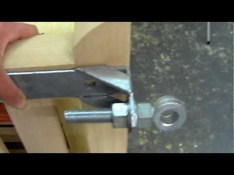 Fitting band and gudgeon hinges to wooden gates - How to fit wooden gates