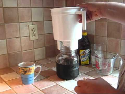 How to make iced coffee with the Toddy Cold Brew System