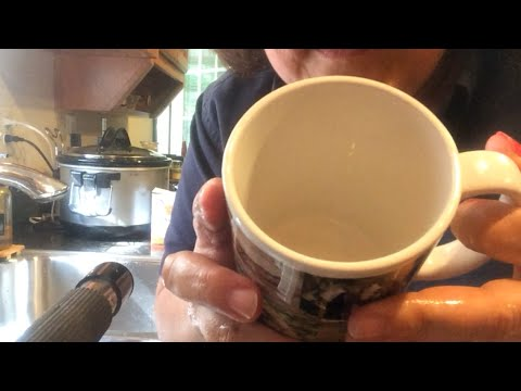 Cleaning A Coffee Mug Quickly