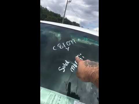 How to Remove Writing From a Car Windshield