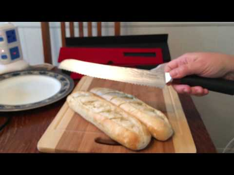 Bread knife that cuts perfectly! Incredibly sharp blade with a comfortable handle!