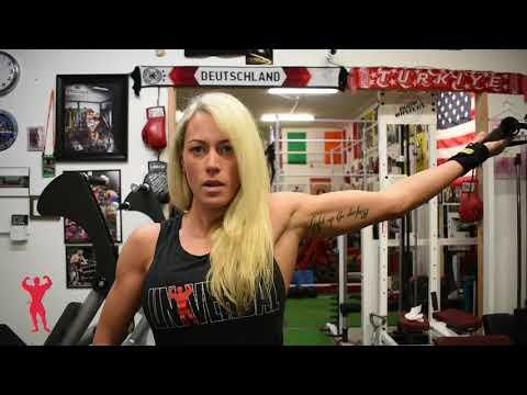Jamie Collins Trains Biceps