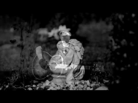 SIE BREITEN IHRE FLÜGEL AUS - Jens Böttcher & das Orchester des himmlischen Friedens