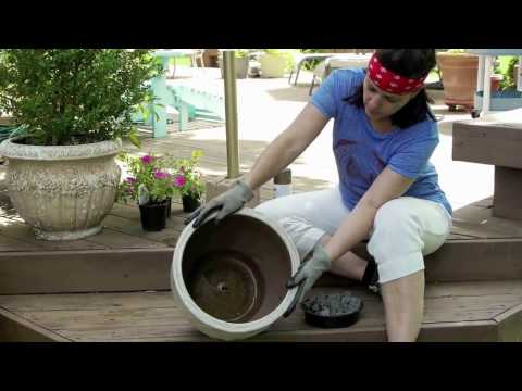 How to make an outdoor umbrella stand