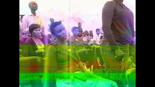 Linda Shabalala enjoying praise.AVI