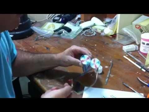 איך מכניסים את הפסים למשחת שיניים אקוהפרש - פרק א - Aquafresh