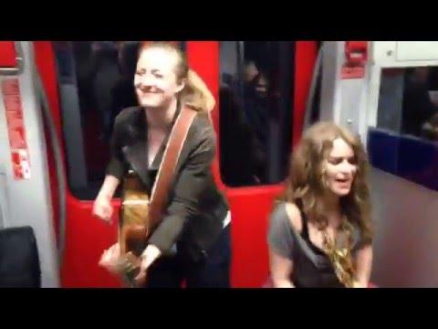 Subway jam session - wait for the passenger freestyle!