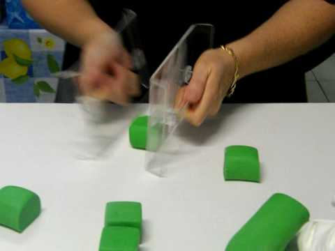 How to make blocks out of icing