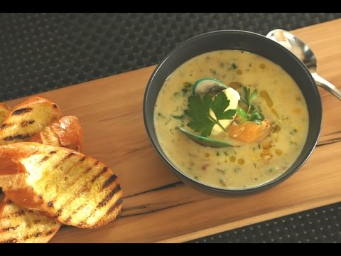 Traditional Creamy Mussel Chowder