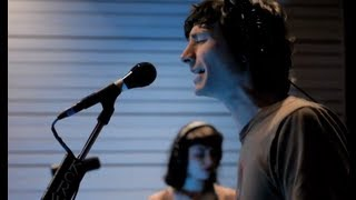 """Gotye performing """"Somebody That I Used To Know"""" on KCRW"""