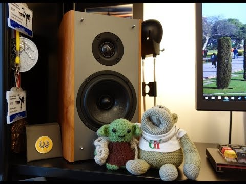 Creative E-MU XM7 review - Incredible Bookshelf Speakers - By TotallydubbedHD