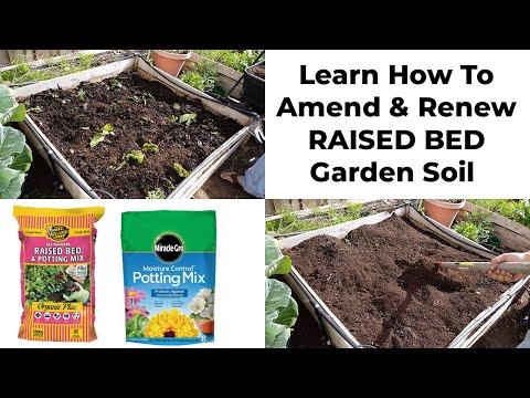 Preparing & maintaining soil for raised beds