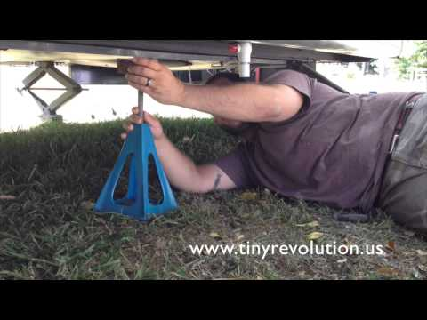 Using Stabilizer Jacks For Your Tiny House