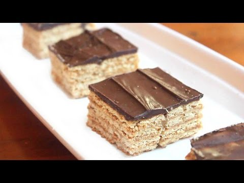 Triple Layer Graham Cracker Toffee Bars | SweetTreats