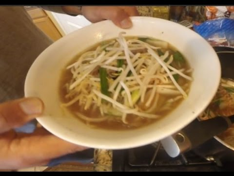How-to cook beef noodle soup with instant ramen noodles