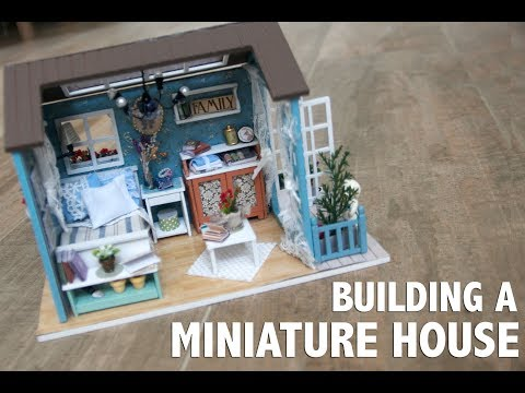 Building A Miniature DollHouse