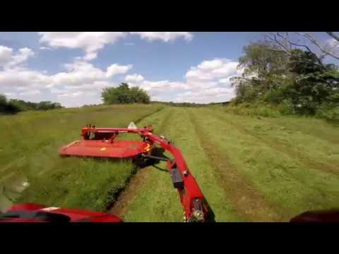 DC102  Disc Mower Conditioner in Mixed Grass Hay