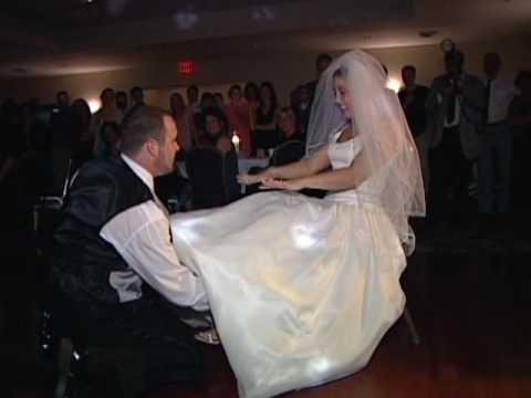 FUNNIEST AND BEST GARTER BELT WEDDING DANCE OF ALL TIME!!!