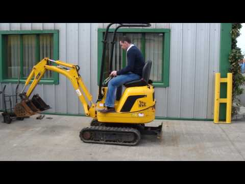 2008 JCB 8008 Micro excavator.MP4