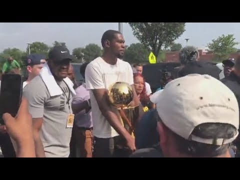 Kevin Durant Brings NBA Title To Hometown In Maryland | ESPN