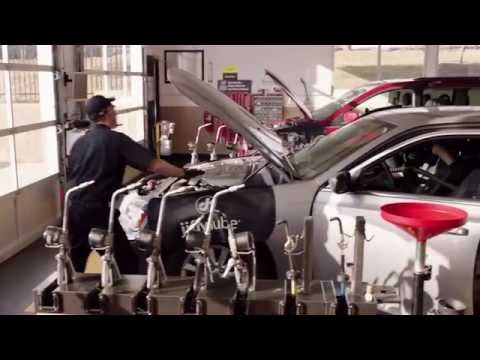How Jiffy Lube Performs a Signature Service Oil Change