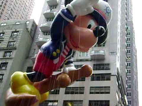 SALIOR MICKEY MOUSE MACY'S DAY PARADE 2009