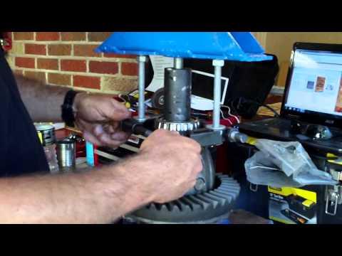 home made bearing puller.AVI