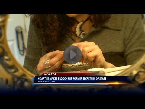KC artist makes brooch for Madeleine Albright