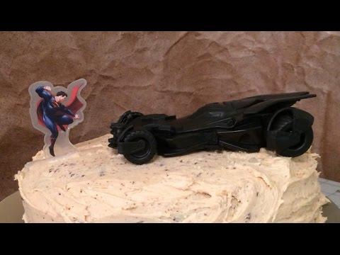 DecoPac: Batmobile Cake Topper Decoration Set (Batman v Superman: Dawn of Justice)