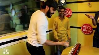 Riteish Deshmukh plays the Banjo