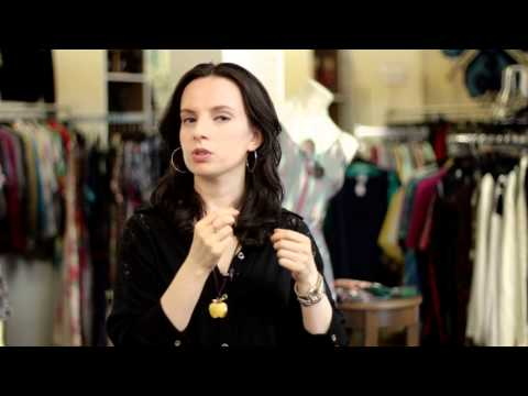How to Put Round Hoop Earrings in Ears : Belts, Corsets, Earrings & More