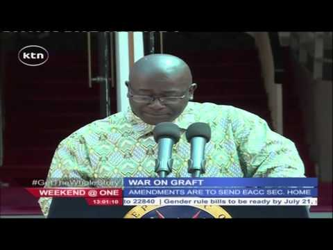 President Uhuru Kenyatta examine amendments to the EACC bill passed by parliament