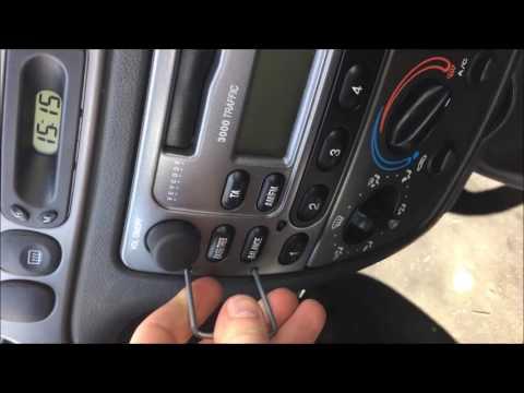 Comment démonter un autoradio Ford fiesta