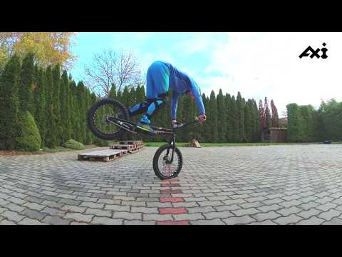 My front wheel hops after 2 weeks training (4k)